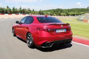 Alfa-Romeo-Giulia-QV-1200x800-5d5b5054a3011460.jpg