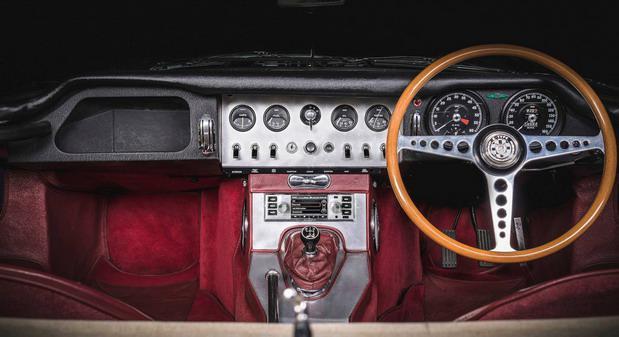 jaguar-land-rover-classic-infotainment-system 1.jpg