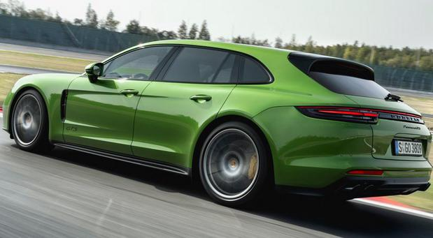 Porsche-Panamera_GTS_Sport_Turismo 11.jpg