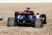 Kimi-Raeikkoenen-Alfa-Romeo-Barcelona-F1-Test-18-Februar-2019-fotoshowBig-24ddcd08-1424948.jpg