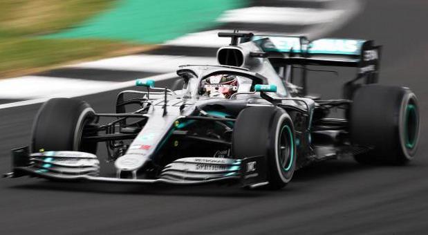Luis-Hamilton silverstone2019.jpg