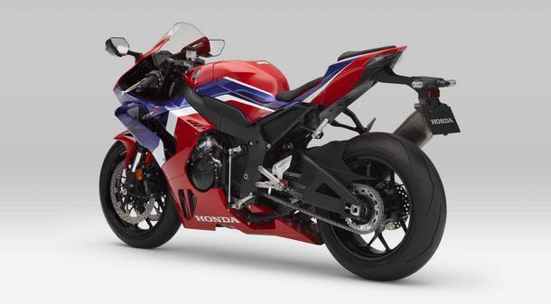 Honda-CBR1000RR-R 002.jpg