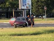 Opstina-Novi-Beograd-kruzni-tok-saobracaj-automobil-guzve-beogradske-ulice-saobracajna-nesreca-nezgoda-sudar-bgd365-7.thumb.jpg.4906d785edfbb67e41cc6a71af99ed81.jpg