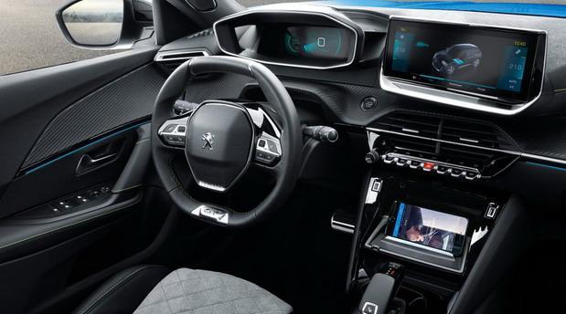 Peugeot-e-2008 001.jpg