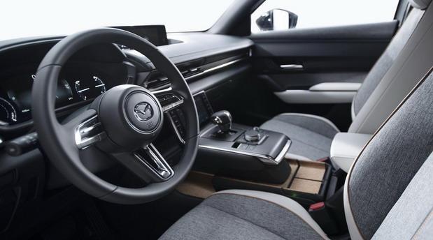 Mazda-MX-30 1.jpg