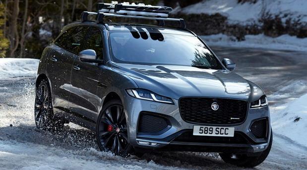 jaguar f 2021 02.jpg
