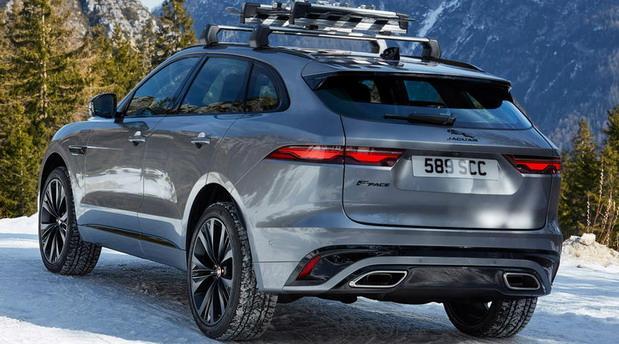 jaguar f 2021 01.jpg