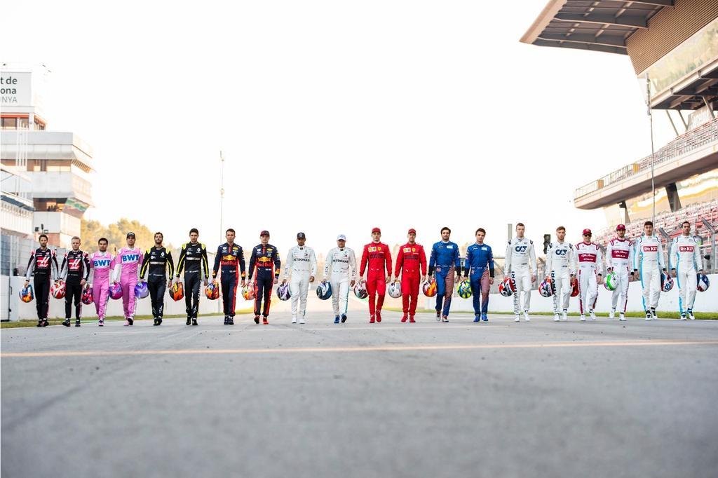 f1 drivers line up2020.jpg