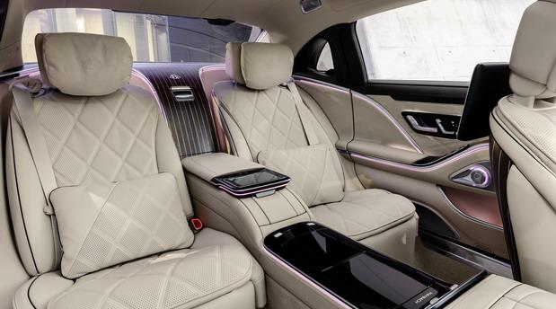 Mercedes-Maybach 2021 07.jpg