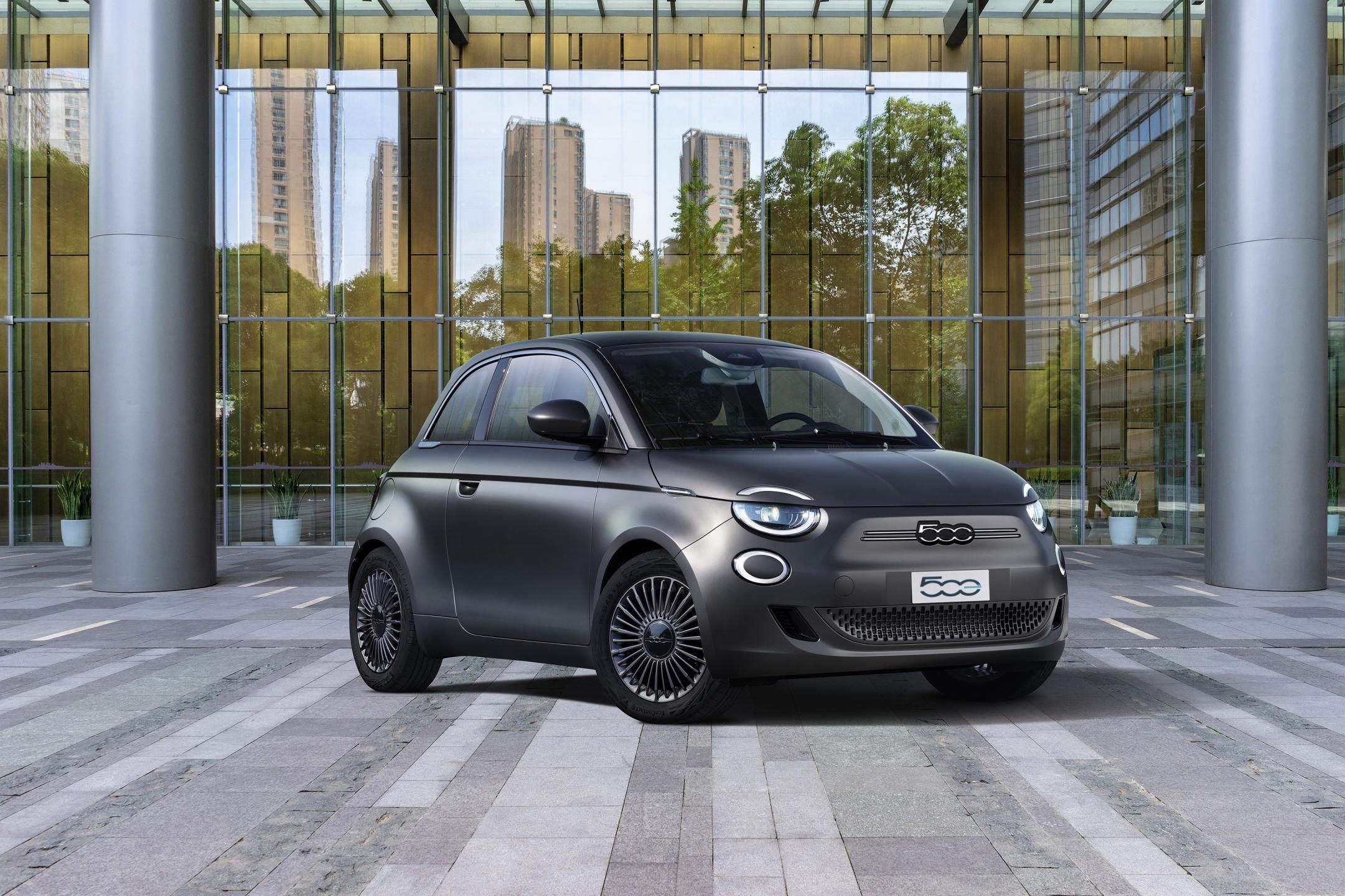 Fiat_500e_nagrada.jpg