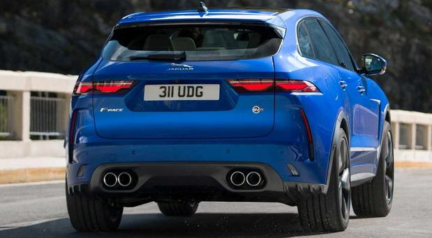 209338-jaguar f pace01.jpg