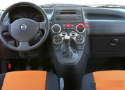 Fiat-Panda-Cross-2006-interior.jpg