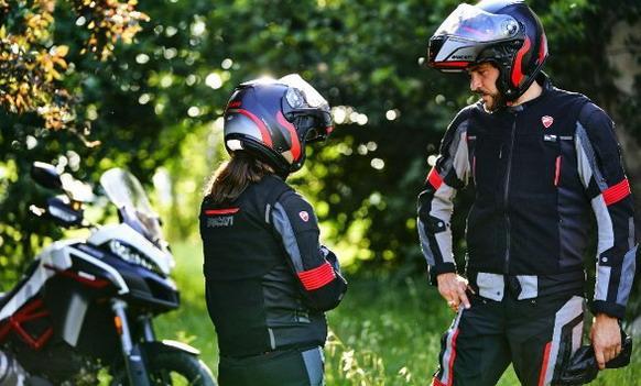 Ducati-Smart-Jacket 02.jpg