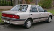 1996_Mazda_323_(BG_Series_2)_1.6_sedan_(2015-07-09)_02.jpg