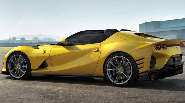 Ferrari Competizione 812 05.jpg