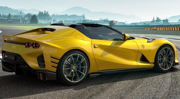Ferrari Competizione 812 04.jpg