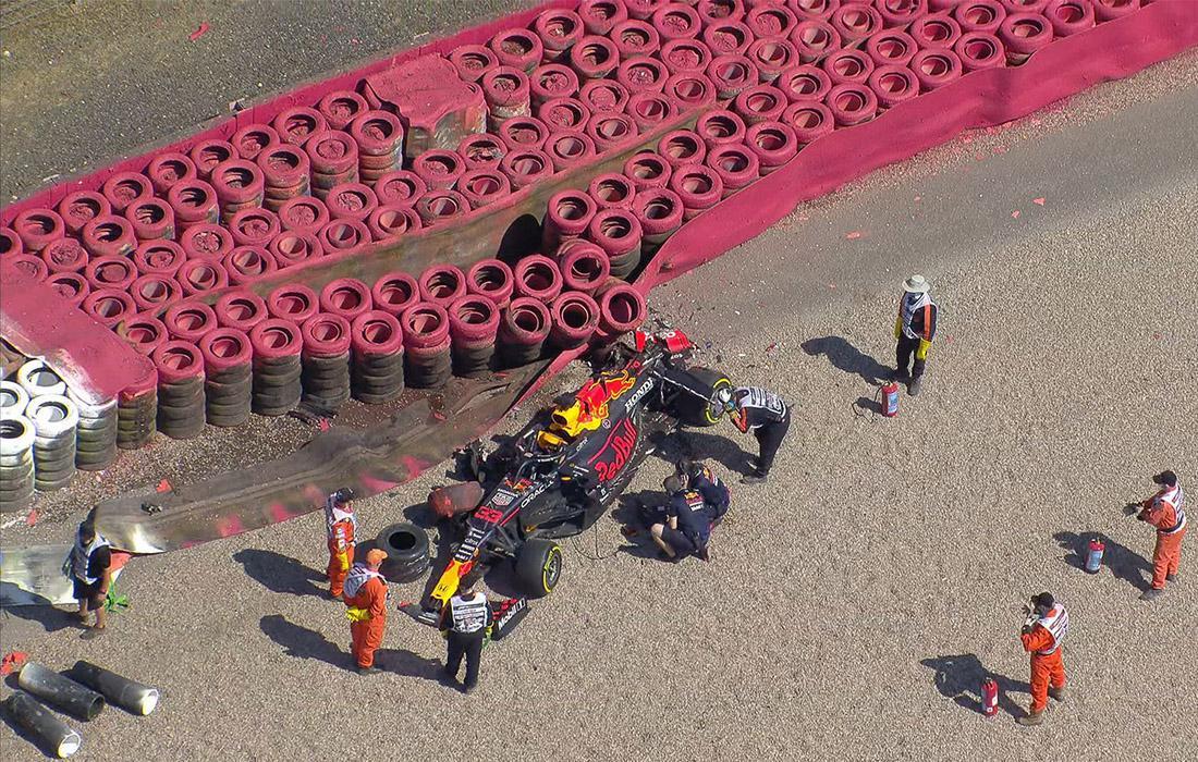 verstappen_british_gp_2021_race_incident.jpg.6eefd533265a92e400f2736cfd2a084c.jpg
