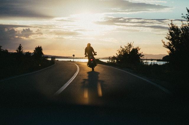 motor zalazak sunca.jpg