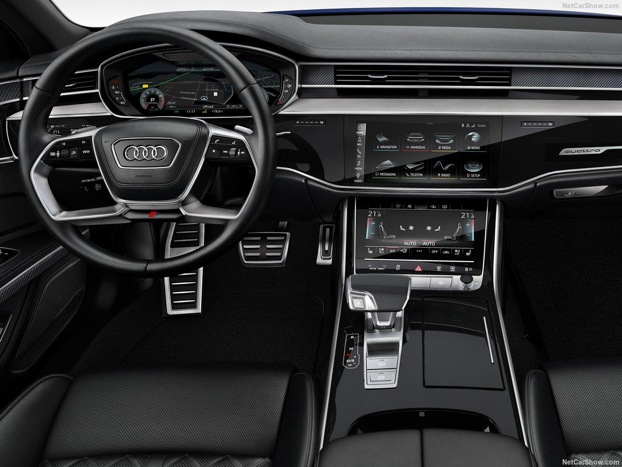 Audi-S8-2020 unutra.jpg